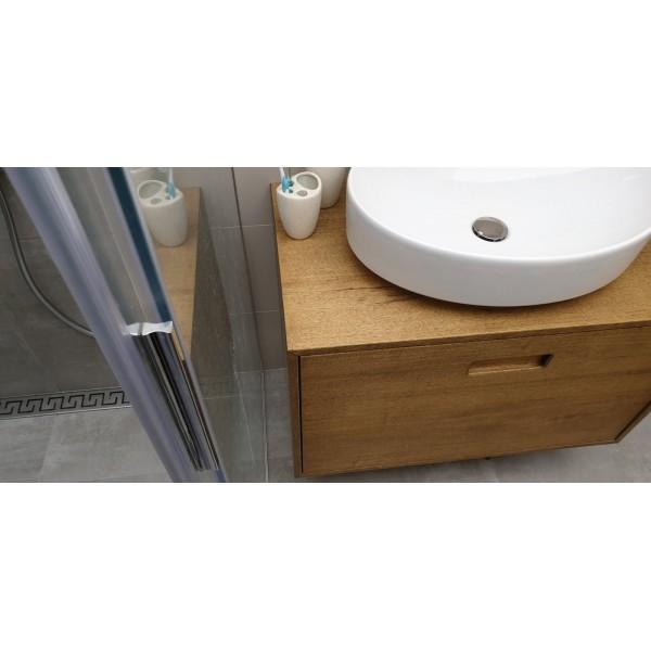Шкаф за баня А005